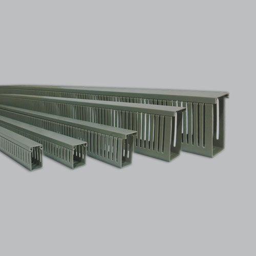 Canaletas Plásticas Ranuradas para Cables